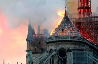 Scammers get money to rebuild Notre Dame